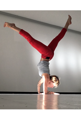 "Cours de Liquid Flow Yoga ""open heart"" avec Anne-Cécile Caillaud - 2020-04-10 à 12:30"